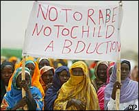 Sudanese refugee women in Iridimi refugee camp in Chad during a visit by UN Secretary General Kofi Annan on 2 July