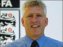 Mark Palios, Director Ejecutivo de la Asociasi�n Inglesa de F�tbol