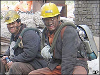 Rescue workers at the mine site 22/10/04