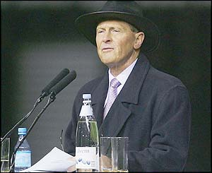 Cricket legend Geoffrey Boycott