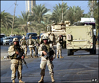 US forces at a roadblock north of Baghdad