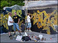 Youth in Zug display their graffiti art