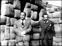 Pablo Neruda y el peruano Esteban Pavletich en Machu Picchu, Per�, 1943. Foto de la colecci�n de Robert Pring-Mill.