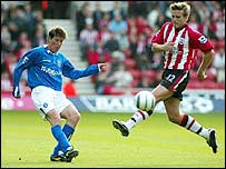 Darren Anderton (left) went close for Blues