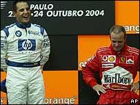 Juan Pablo Montoya de Colombia, y Rubens Barrichello de Brasil