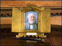Gold-nibbed pen and portrait miniature