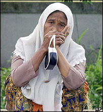 Woman in southern Thailand (27/10/04)