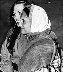 Indira Gandhi embraces daughter-in-law Sonia at Delhi airport in March 1977