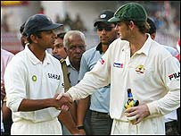 Indian captain Rahul Dravid shakes hands with Australian skipper Adam Gilchrist