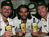 Michael Kasprowicz (left), Jason Gillespie (centre), Glenn McGrath