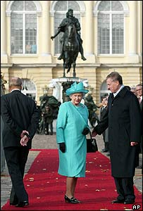 The Queen and Chancellor Gerhard Schroeder
