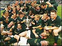 South Africa celebrate their 2004 Tri-Nations success