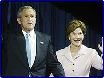 Джордж Буш с супругой Лорой
