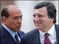 Italian PM Silvio Berlusconi (left) with incoming Commission President Jose Manuel Barroso