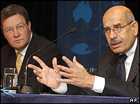 Australian Foreign Minister Alexander Downer (left) and IAEA chief Mohamed ElBaradei