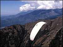 Paraglider in India (picture courtesy of Himachal Tourism)