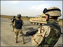 US troops and Iraqi intelligence officers
