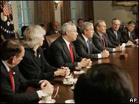 Estado Powell en una reunión de gabinete.