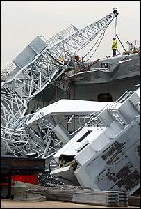 The crane crashed onto the HMS Invincible