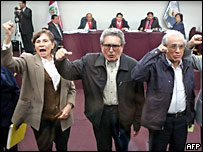 Abimael Guzman (centre) and co-defendants disrupted their first court hearing