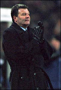 John Toshack as Real Madrid manager in 1999