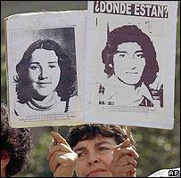 Familiares de desaparecidos en Chile