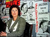 Lucia Pinochet Hiriart, campaigning for her father's release from detention in the UK in 1999