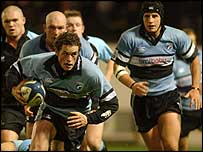 Blues fly-half Nick MacLeod takes on the Glasgow defence