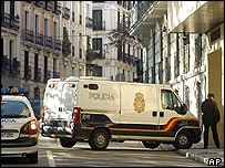 Van believed to be carrying Madrid bomb suspect arrives at court house