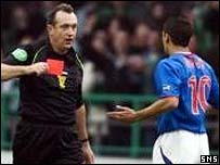 Willie Young sends off Nacho Novo against Hibernian