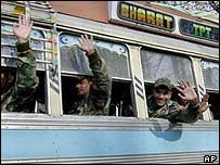 Indian troops pull out from Kashmir