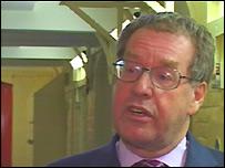 Dr Andrew McLellan