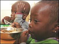 Niños huérfanos por el SIDA en Nairobi.