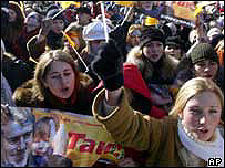 Supporters of Viktor Yushchenko protest in Lviv, western Ukraine