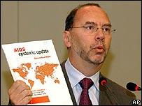 Peter Piot, director de ONUSIDA