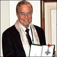 Franco Zeffirelli with his knighthood