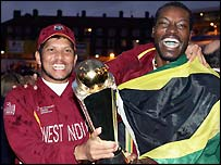 Sarwan and Gayle celebrate at The Oval