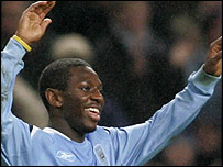 Shaun Wright-Phillips celebrates his goal