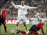 Real Madrid's David Beckham plays against Bayer Leverkusen