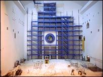 T�nel que alberga el Colisionador de Hadrones en CERN, Suiza.