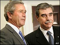 President George W Bush and Kellogg's chairman Carlos Gutierrez