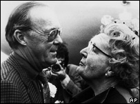 Dutch Queen Juliana and Prince Bernhard (l) (file photo)