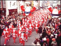 Five hundred Santa took place in the first run in 2001