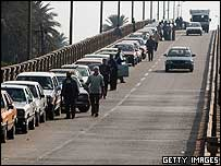 Queue for a gas station in Baghdad