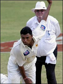 Shepherd watches Danish Kaneria