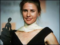 Lionel Shriver with her Orange Prize for fiction
