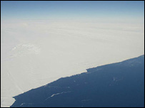 Floating ice front of Pine Island glacier (Rignot/Nasa/JPL)