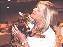 Sisco the cat and Lynne Hedlund
