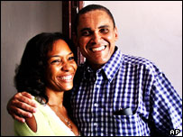 Cuban dissident journalist Jorge Olivera Castillo (right) and his wife