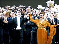 Maestro Riccardo Muti and Desiree Rancatore take applause